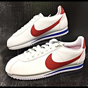 """Nike Shoes - HP 🎉Nike Classic Cortez Leather """"GUMP"""" Womens NEW"""